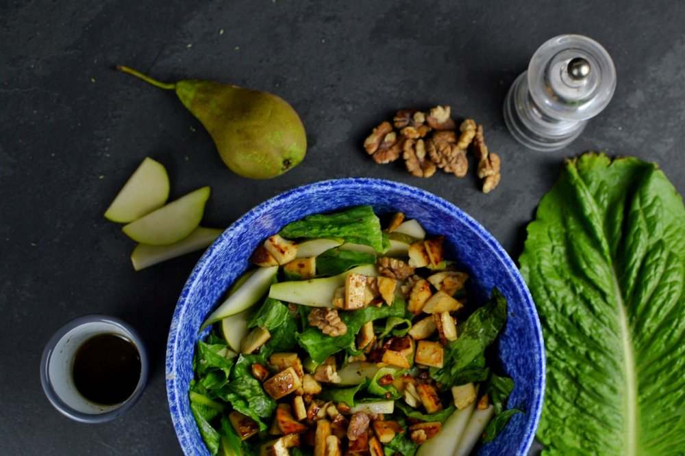 pear, walnuts and ricotta salad