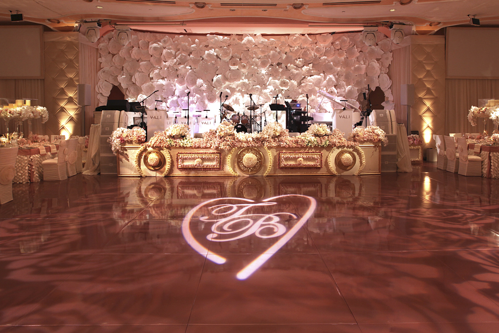 rose_gold_pink_romantic_real_wedding_roses_inspiration_cecistyle_v152-11.1.jpg