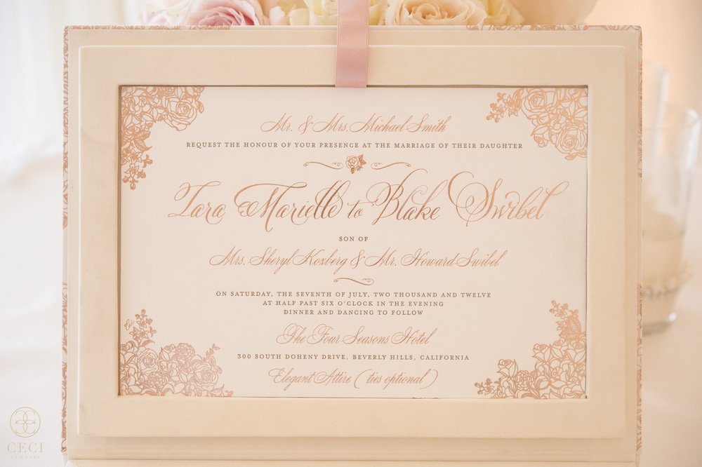 rose_gold_pink_romantic_real_wedding_roses_inspiration_cecinewyork_cecistyle_v152_1-3.jpg