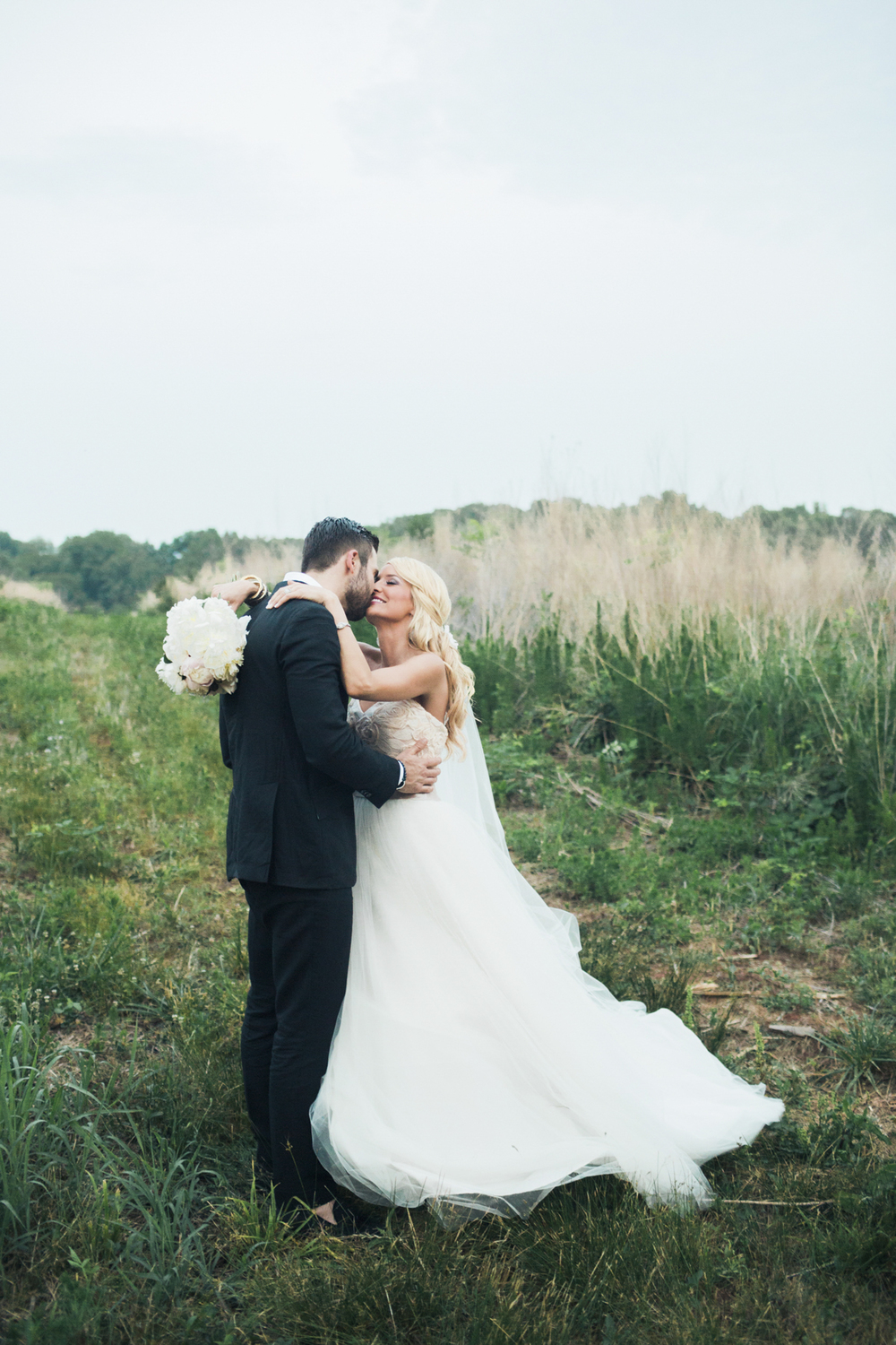 south_carolina_farm_wedding_rustic_chic_surprise_secret_luxe_wedding_bachelorette_emily_maynard_real_weddings-34.jpg
