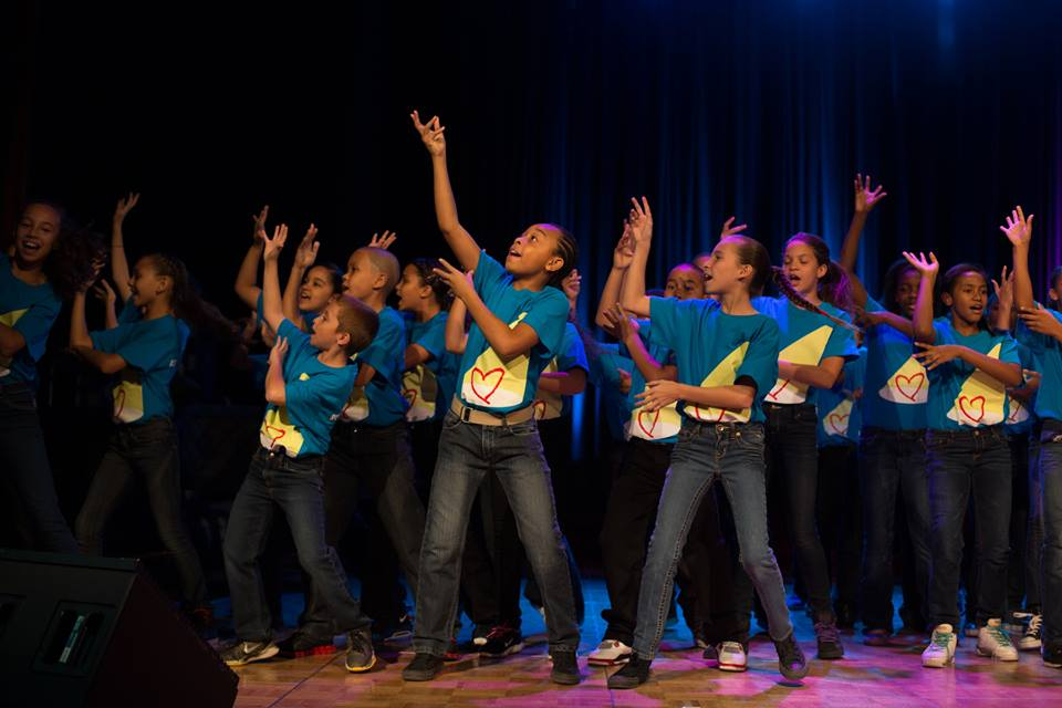 rosies_theater_kids_passing_it_on_event_ceci_new_york_philanthropy_non_profit_children_dance_music_arts_community_give_back_celebrate_new_york_city-4.jpg