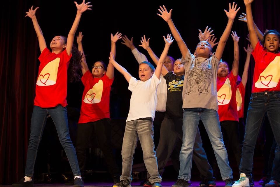 rosies_theater_kids_passing_it_on_event_ceci_new_york_philanthropy_non_profit_children_dance_music_arts_community_give_back_celebrate_new_york_city-2.jpg