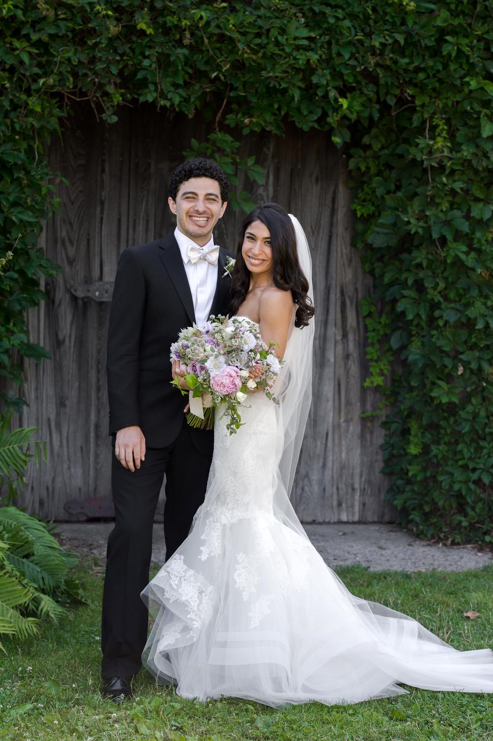 Ceci_New_York_Bride_Wedding_Blue_Hill_12.jpg