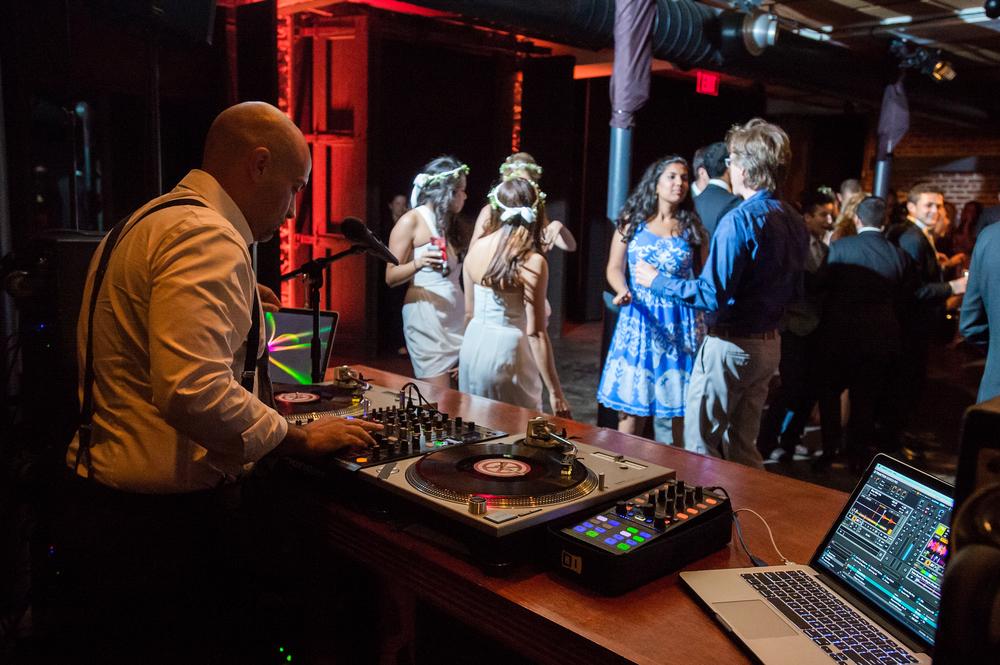 Ceci_New_York_Bride_Wedding_Blue_Hill_44.jpg