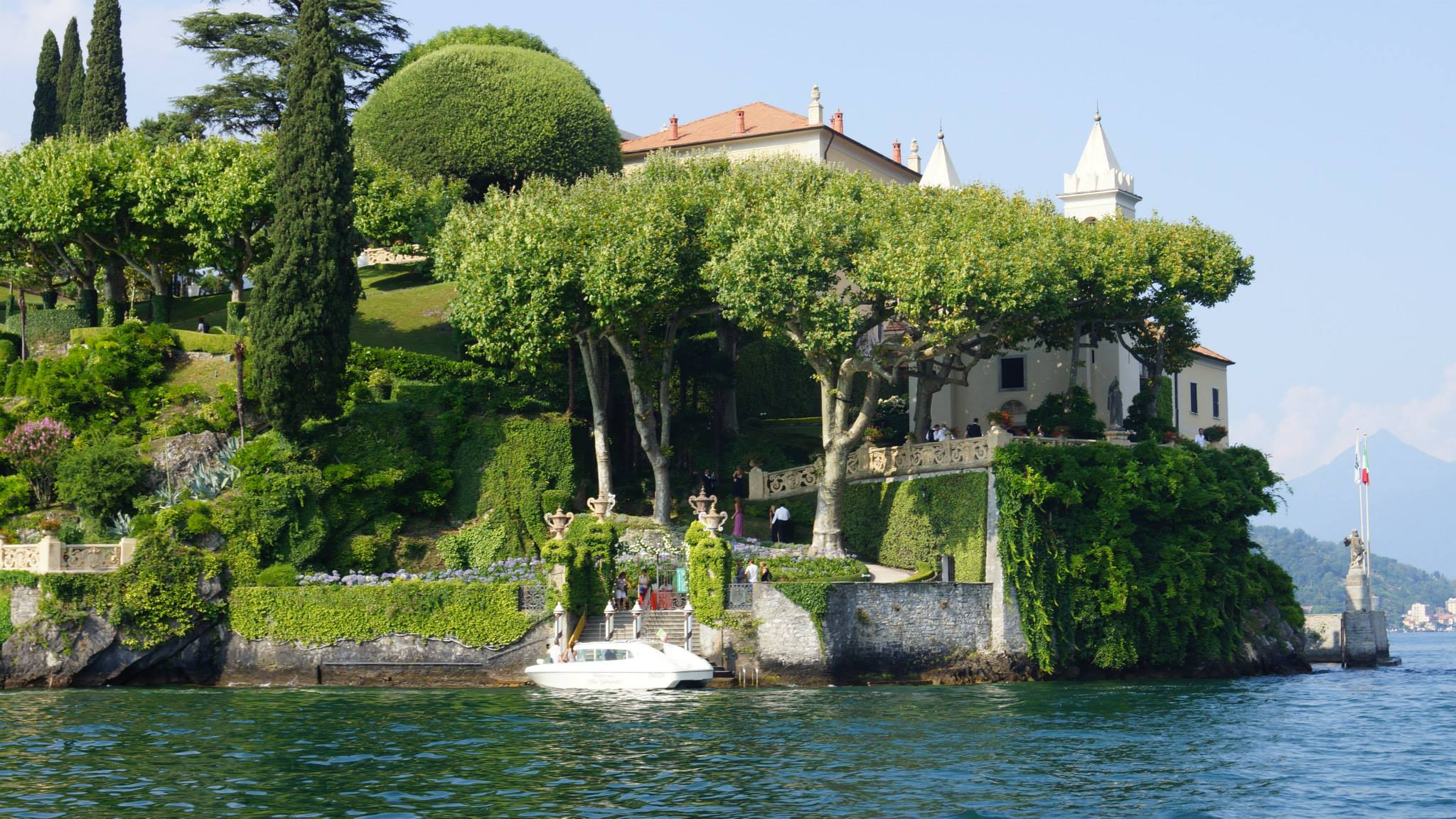 Ceci_New_York_Wedding_Lake_Como_Italy_Luxury_Style_Real_Bride_1.jpg