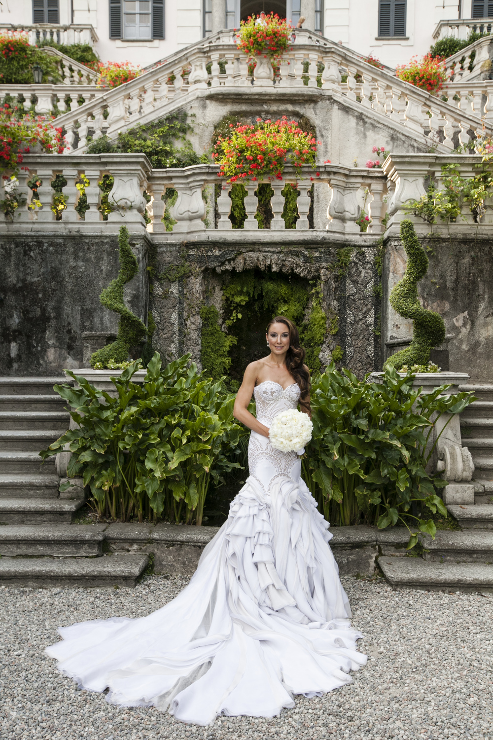 Ceci_New_York_Wedding_Lake_Como_Italy_Luxury_Style_Real_Bride_32.jpg