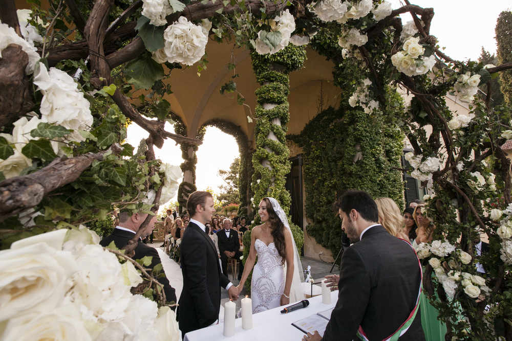 Ceci_New_York_Wedding_Lake_Como_Italy_Luxury_Style_Real_Bride_54.jpg