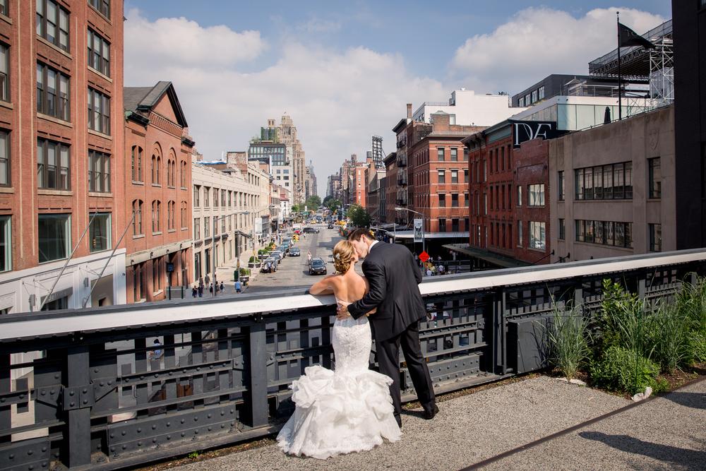 Ceci_New_York_Style_Luxury_Custom_Summer_Wedding_CeciBride_Letterpress_NewYork_Foil_Lighthouse_Chelsea_Piers_21.jpg