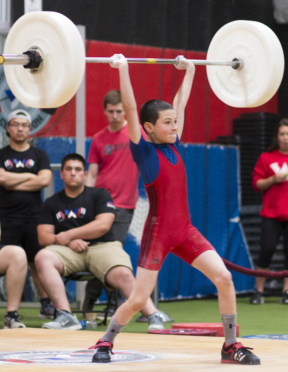 youthweightlifting_bumperplates_usaweightlifting.jpg
