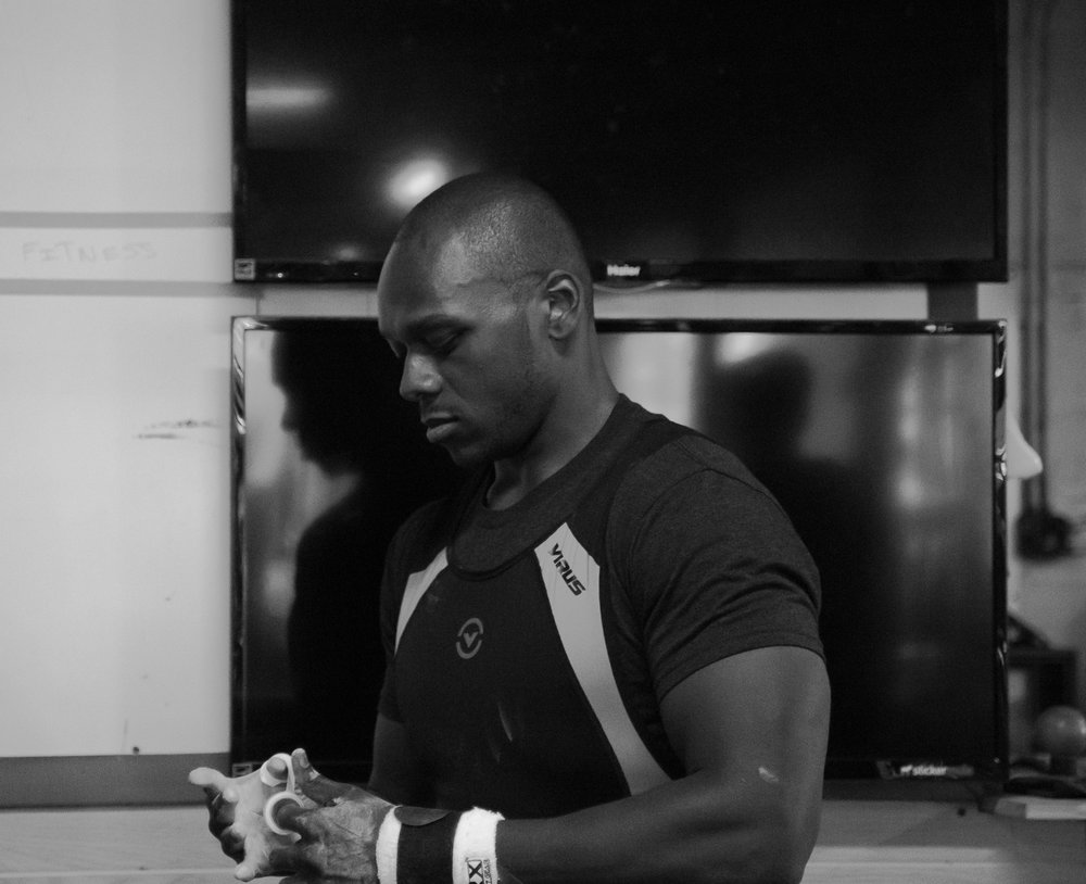 men-warwick-new-york-intrepid-strength-conditioning-winter-open-weightlifting-meet-weightlifting-photography (15 of 24).jpg