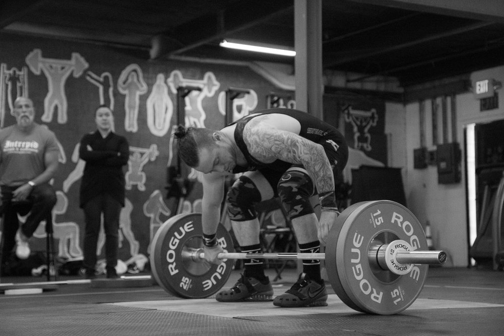 men-warwick-new-york-intrepid-strength-conditioning-winter-open-weightlifting-meet-weightlifting-photography (14 of 24).jpg