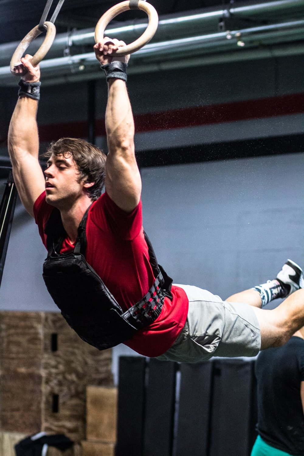 weight-ring-muscle-ups-gymnastics-alec-smith-strong-crossfit-athlete-everyday-lifters-viviana-podhaiski