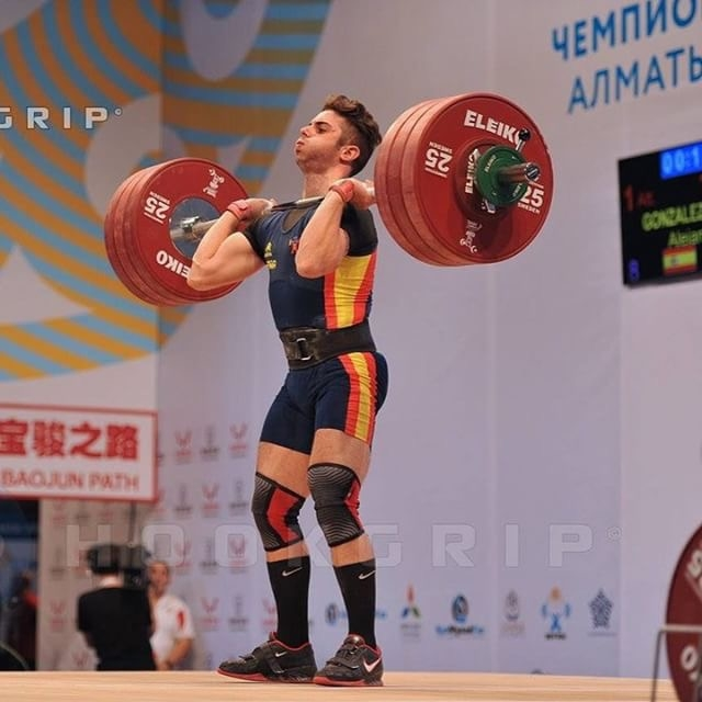 gonzalez-olympic-weightlifter-spain-weightlifting-chalk-photo-by-nat-hookgrip.JPG