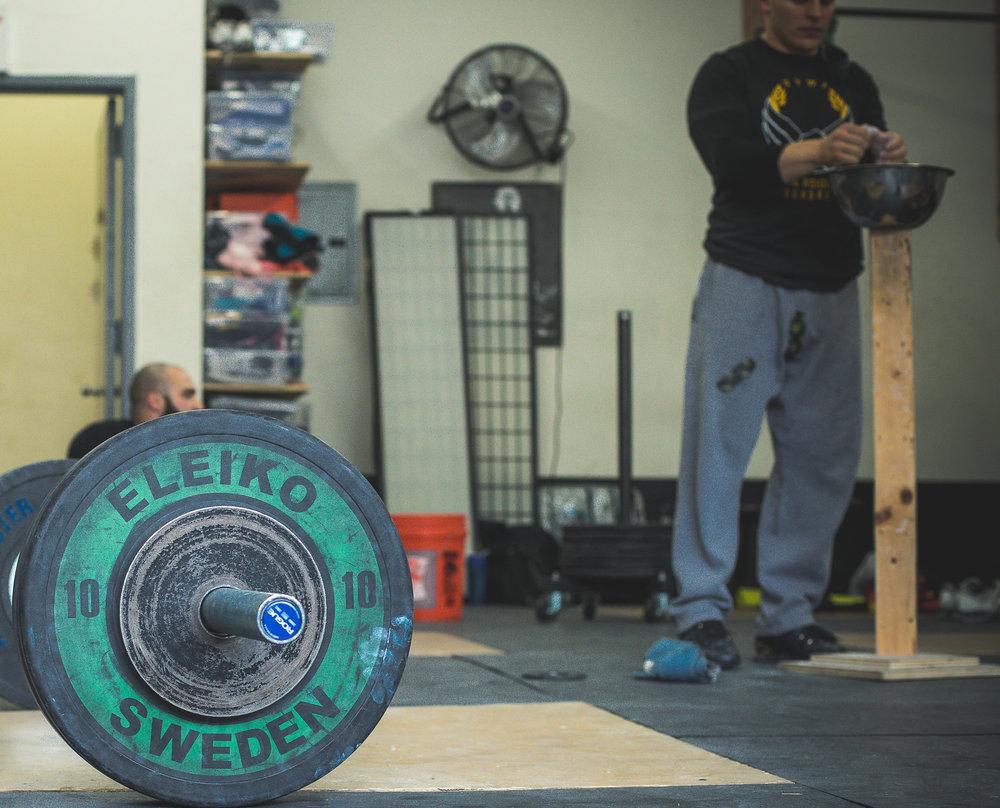 dan-casey-nywa-jdi-visit-weightlifting-coach-new-york-weightlifting-academy-15.jpg
