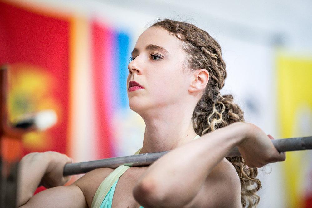 female-weightlifter-nywa-photo-by-viviana-podhaiski