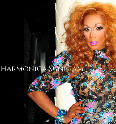 In Episode 25 we talk to the New York City Drag Queen Legend Harmonica Sunbeam. We discuss her early childhood along with her music career and working with Beyonce. She also gives us insight on the New York City gay scene. Like Us On Facebook! https://www.facebook.com/ssdpodcast/ Twitter-@hsunbeam