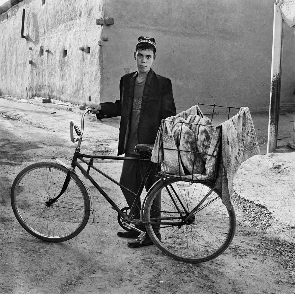 Delivering Nan- Bukhara, Uzbekistan