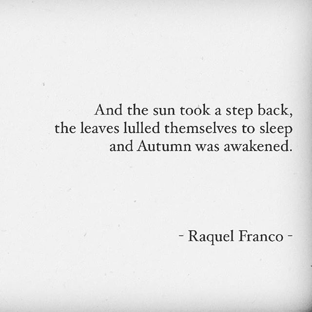Happy Fall Equinox! 🍂 I always use the change of seasons as an opportunity to pause and turn inward. It's so powerful during these shifts to reflect on my life, the changes I've already gone through this year, and what I want the remainder of the year to look like.  When we look closely at the energy of the current season and really notice what's happening in nature, we're able to see we're growing right alongside her. And most importantly-that she's supporting us every step of the way.  Nature wants us to grow. 🌱  So take time today to notice the changes that are happening outside. Notice how these same changes resonate with your own spirit.  Fall equinox blessings and love to you! 🍁💛
