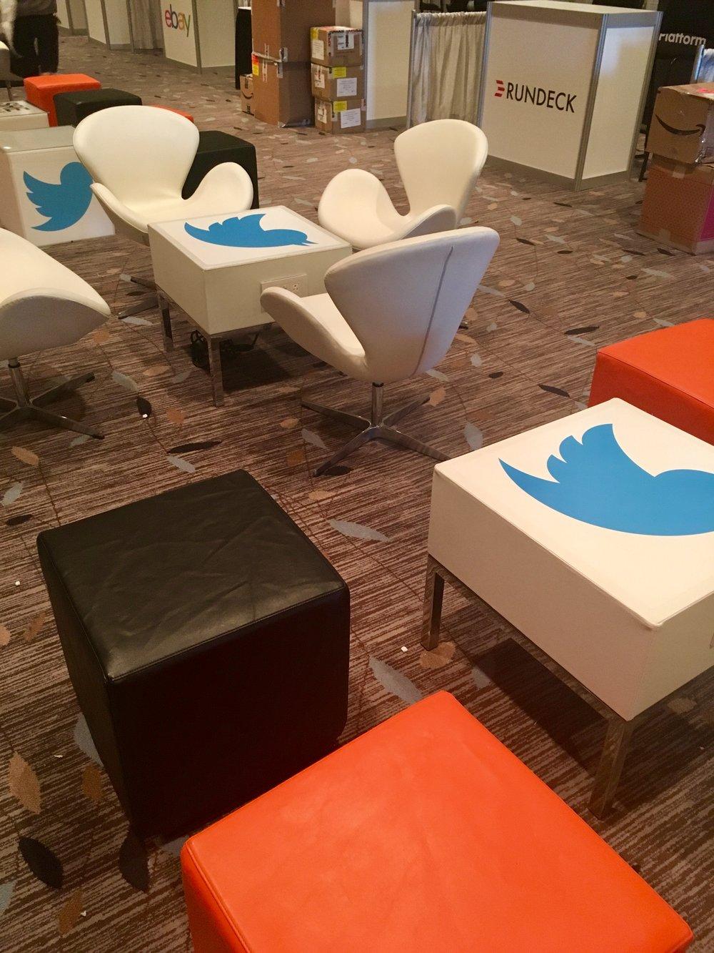 USENIX.lounge.jpg