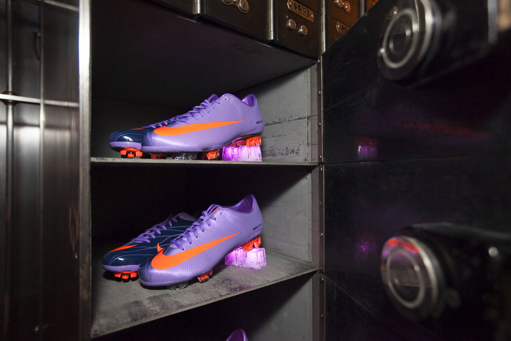 Nike_NoelStateBank_13.jpg