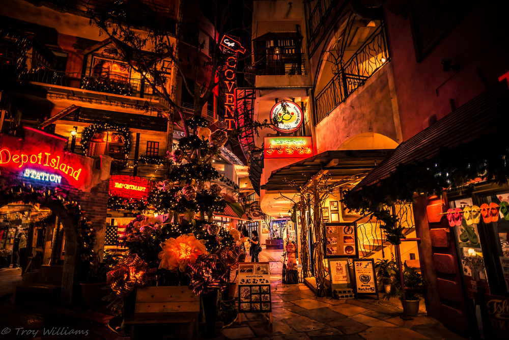 Depot Island is part of a larger area in Mihama, Chatan known as American Village. You can find western styled shopping and a variety of food from all over the world.