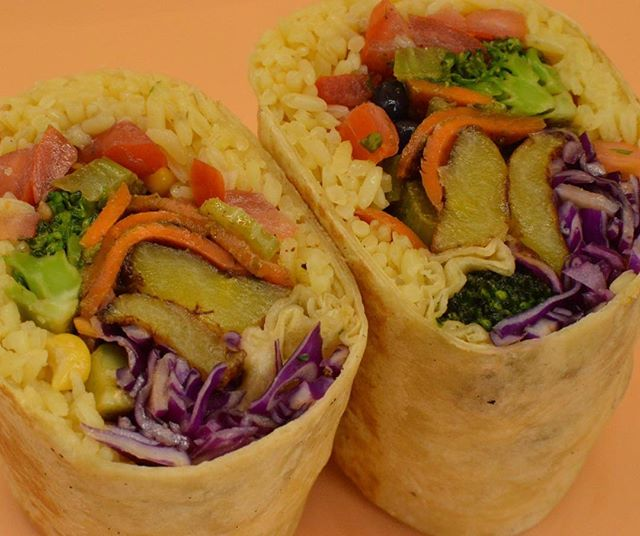 Keeping it fresh today with our #Vegan Wrap #thetropictruck #sweetplantains #caribbeanfood #wecater