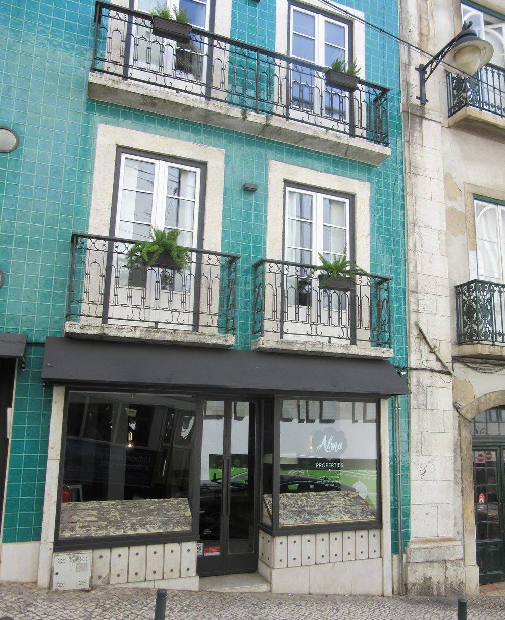 Lisbon colours: Turquoise