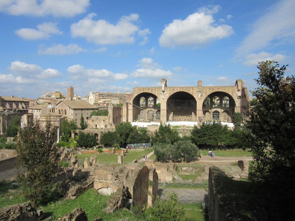 Neutral stone colours of the Roman Forum