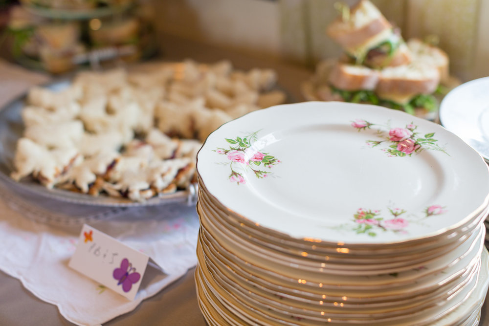 china plates on site for your use