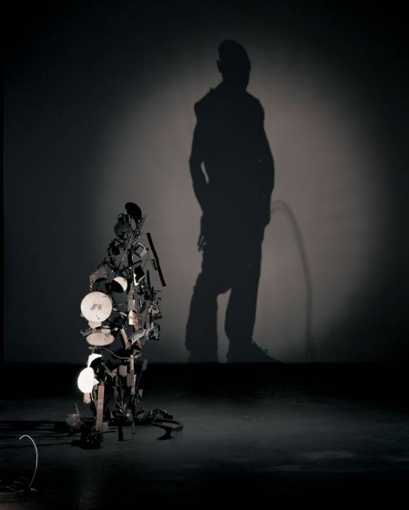 Sue_Webster_Tim_Noble_shadow_sculpture_4