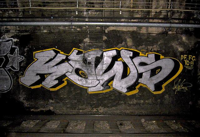 Kaws-graffiti-old-painting-spray_5-web.jpg