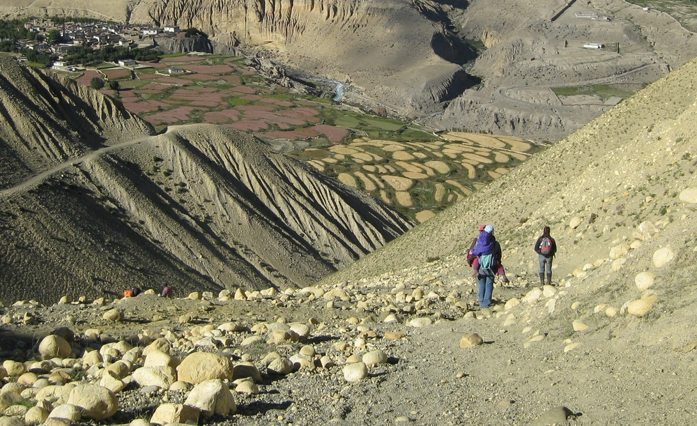 Dr. Sienna Craig, Aida and Drdak approaching the village of Ghemi in Upper Mustang, 2008.