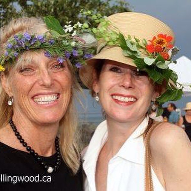 Karen and Renee with their gorgeous flowers wreaths!! Amy from @sideroadfarm will be back this year helping the ladies enjoy cocktail hour, 4 - 6;30 with some flower 🌺 fun!! @tkferriorchards @sapsuckerh2o @thecheesegallery @blackangusmeat #thisisthornbury #communitylongtable