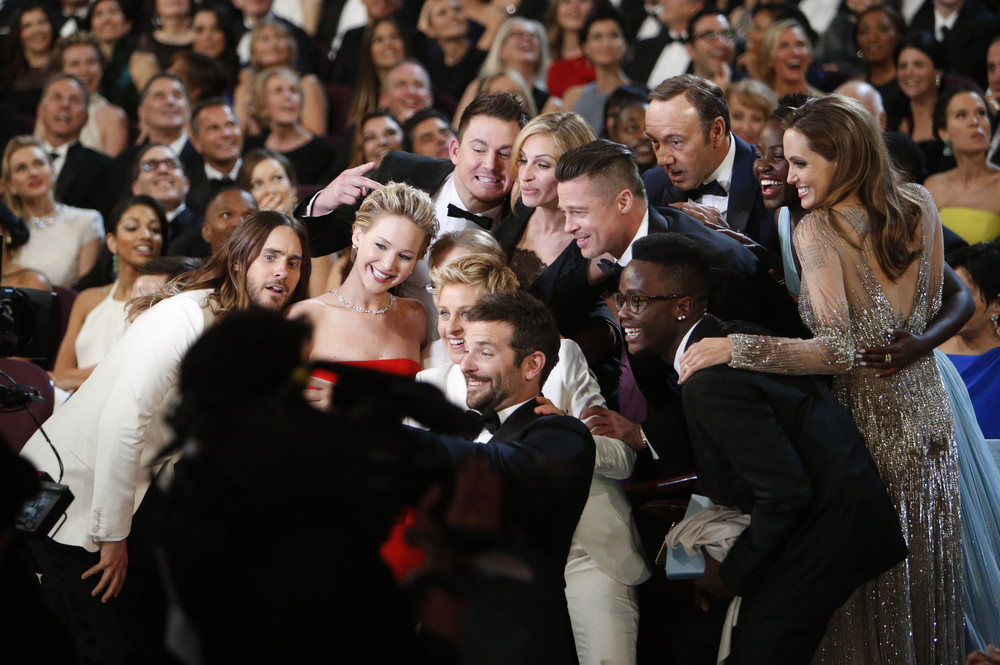 Oscars-Selfie-Ellen-DeGeneres.jpeg