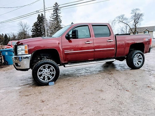 #transformationtuesday with this Silverado getting a lift kit and our all new 752C Slayer wheels!  #gearalloy #atdwheels #gearoffroad #silverado #chevytrucks #liftedtrucks #truckwheels