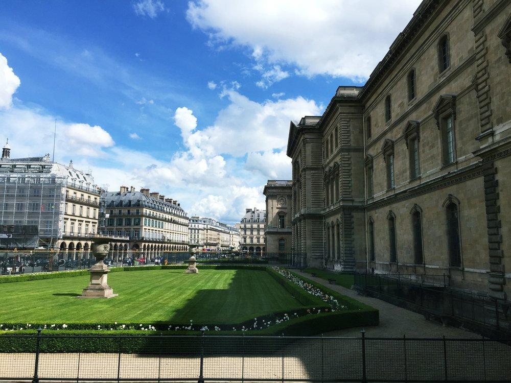 The Louvre aprés the rain!
