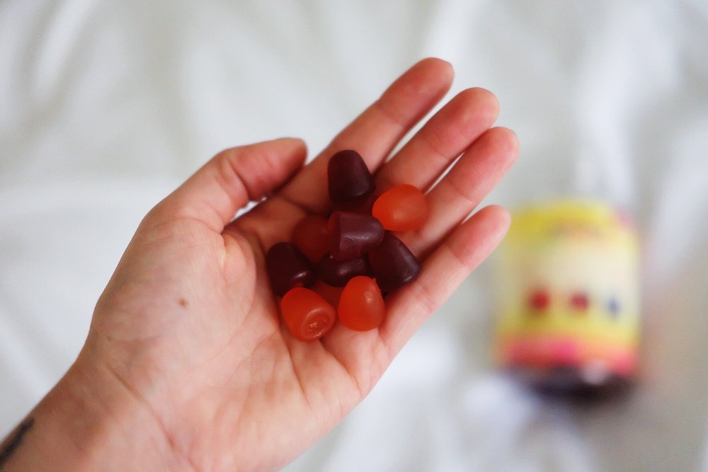 nature-made-gummies-hand-1.JPG