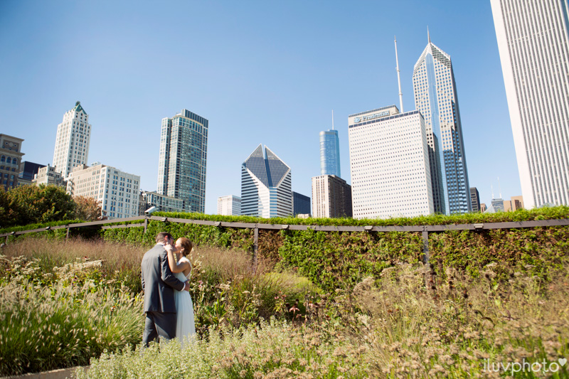 002_iluvphoto_chicago_candid_wedding_photographer_