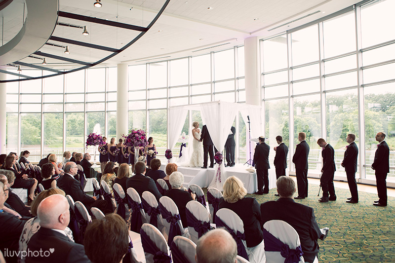 019-iluvphoto-Esplanade-Lakes-Hilton-downers-grove-wedding-photography