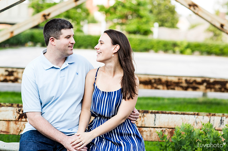 01iluvphoto-chicago-engagement-session-ravenswood