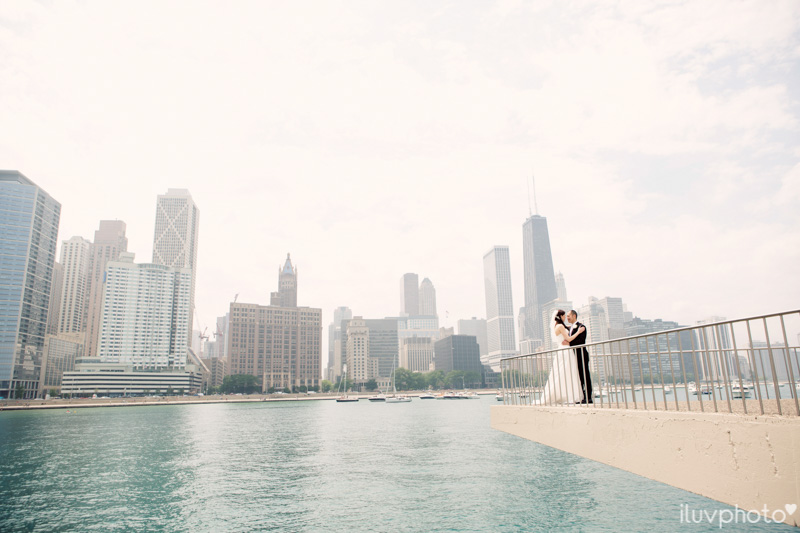 045_iluvphoto_chicago_candid_wedding_photographer_