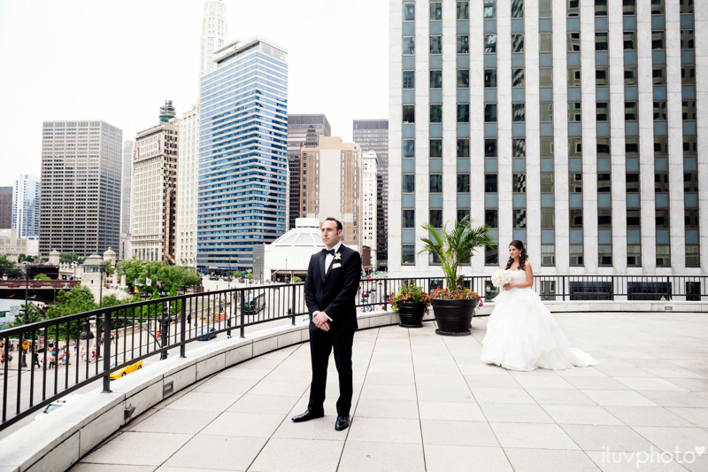 047_iluvphoto_chicago_candid_wedding_photographer_