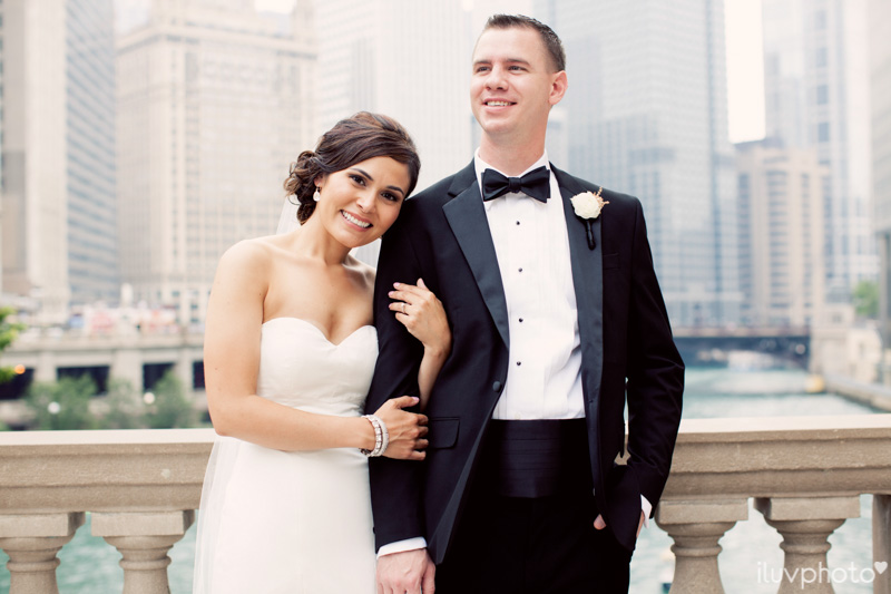 051_iluvphoto_chicago_candid_wedding_photographer_