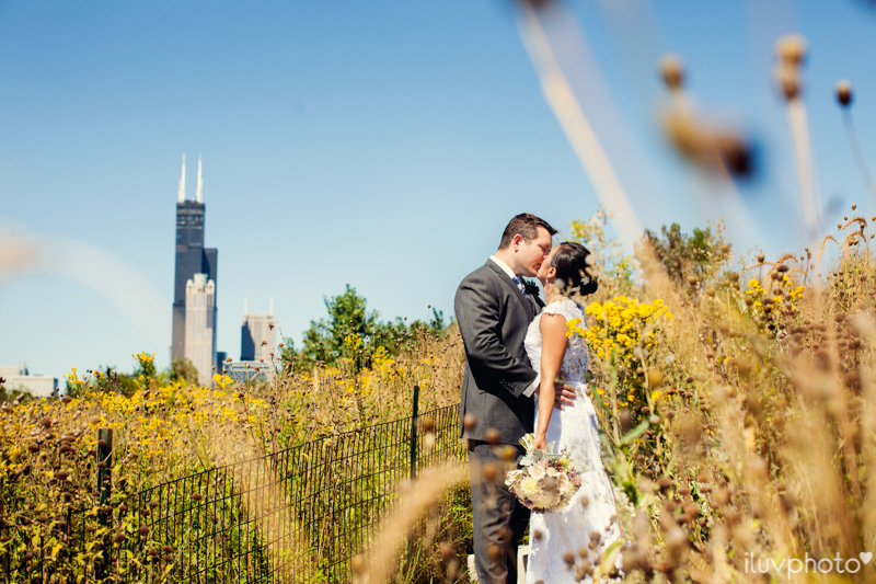 053_iluvphoto_chicago_candid_wedding_photographer_