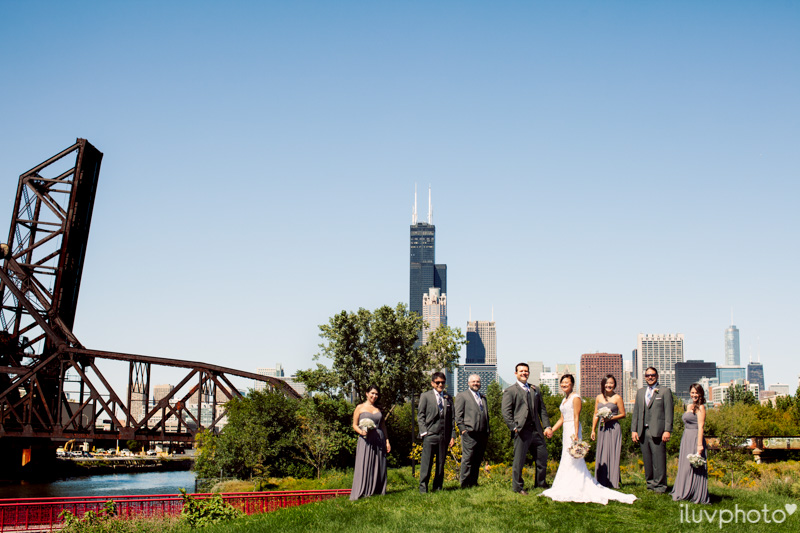 056_iluvphoto_chicago_candid_wedding_photographer_