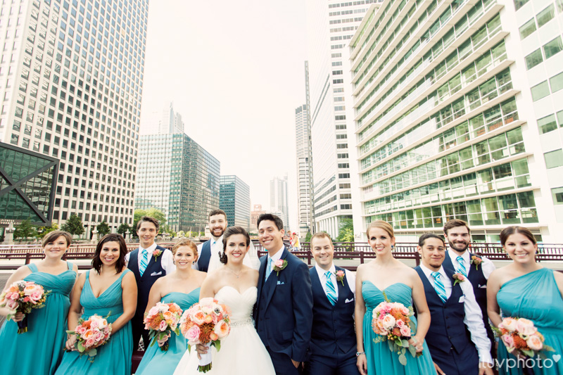 060_iluvphoto_chicago_candid_wedding_photographer_