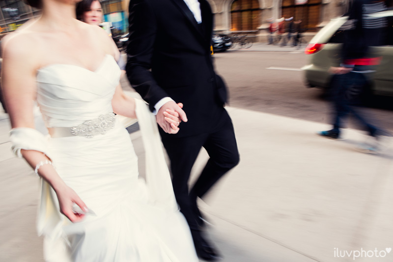 064_iluvphoto_chicago_candid_wedding_photographer_