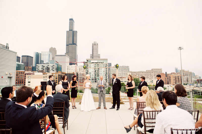 066_iluvphoto_chicago_candid_wedding_photographer_
