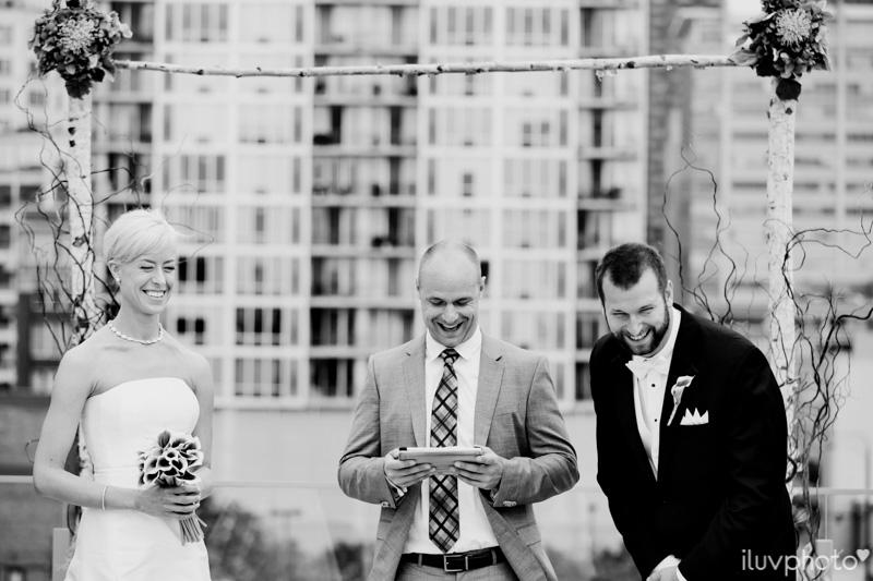 068_iluvphoto_chicago_candid_wedding_photographer_