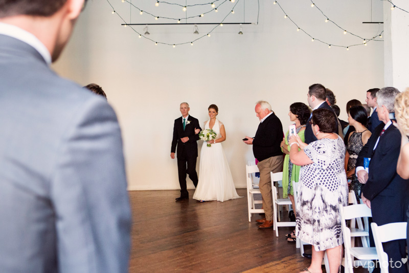 087_iluvphoto_chicago_candid_wedding_photographer_